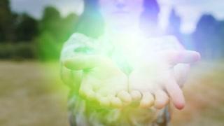 videoblocks-divine-light-in-woman-hands-gods-gift-female-shares-magic-illumination-wonder_h_z1ebpjq_thumbnail-small15.jpg