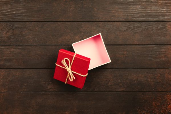 opened-white-and-red-gift-box-1303084